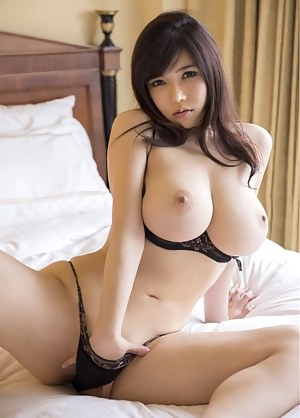 Free Busty Girls Porn Pictures