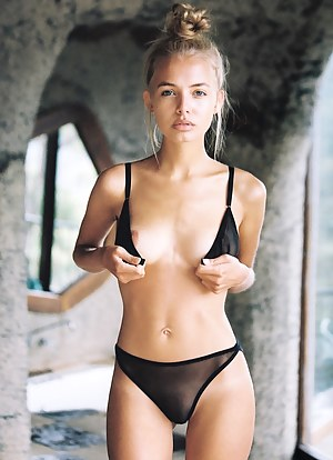 Free Petite Girls Porn Pictures